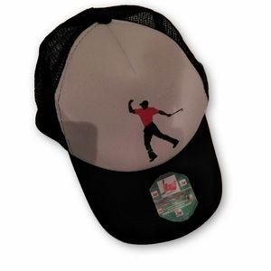 Tiger Woods Masters Fist Pump Mesh Trucker Hat Cap